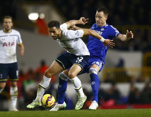 Nacer Chadli và John Terry đều có bàn thắng cho riêng mình ở trận derby London