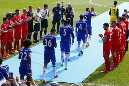 Chelsea được các đội chào mừng với ngôi vô địch sớm năm nay