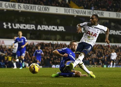 Danny Rose nâng tỉ số lên 2-1 cho Tottenham