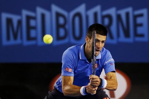 Djokovic trổ tài...