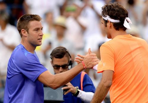 Jack Sock không gây được sốc trước tượng đài Federer