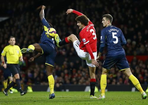 Marouane Fellaini vẫn chỉ là giải pháp dự phòng thiếu hiệu quả của Man United