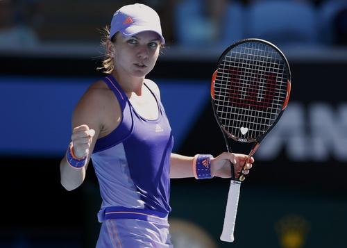 Simona Halep ung dung vào vòng 4