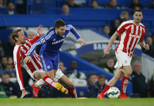 Eden Hazard (10) ghi bàn và kiến tạo bàn còn lại trong chiến thắng của Chelsea
