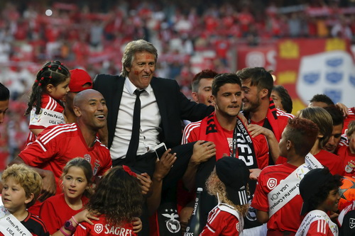HLV Jorge Jesus mang vinh quang về cho Benfica