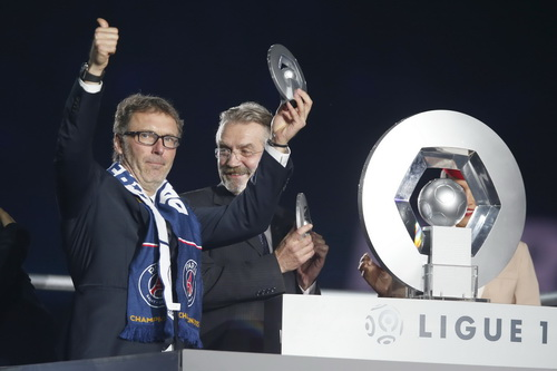 HLV Laurent Blanc thành công sau sự nghiệp cầu thủ
