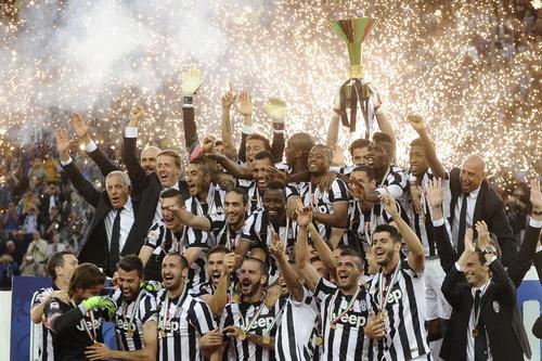 Juventus mơ cú ăn ba mùa này
