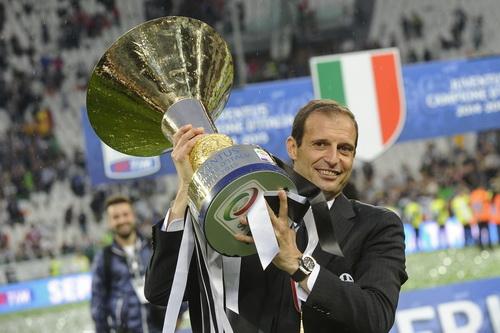 HLV Max Allegri, từ người thừa ở Milan đến người hùng ở Juventus