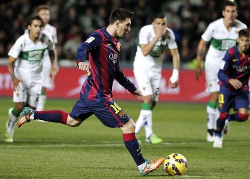 Messi có cú đúp thứ 77 tại La Liga