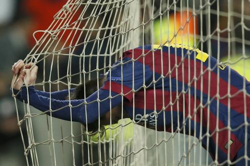 Messi bỏ lỡ nhiều cơ hội ghi bàn ở trận đấu sân nhà