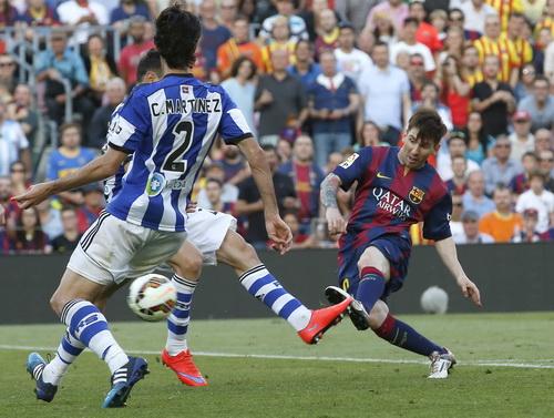 Messi trước hàng thủ kín kẽ của Sociedad