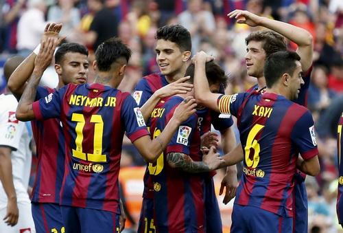 Messi (10) ghi cú đúp cho Barca trước khi Deportivo gỡ hòa 2-2