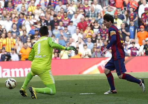 Messi ghi bàn thắng thứ 400 trong màu áo Barcelona