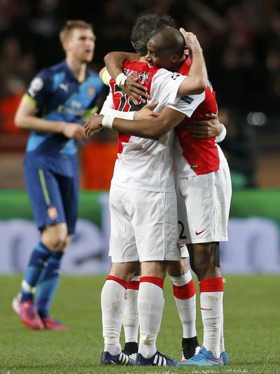 Niềm vui Monaco, nỗi buồn Arsenal