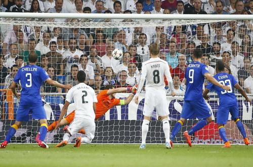 Cố nhân Morata (9) lại ghi bàn, loại Real Madrid tại bán kết