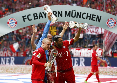 Bayern Munich thống trị Bundesliga