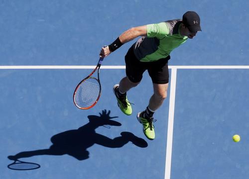 Andy Murray vào vòng 4