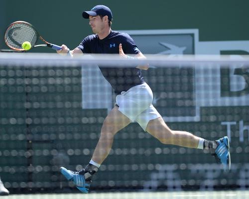 Andy Murray khắc chế được lối chơi của Feliciano Lopez