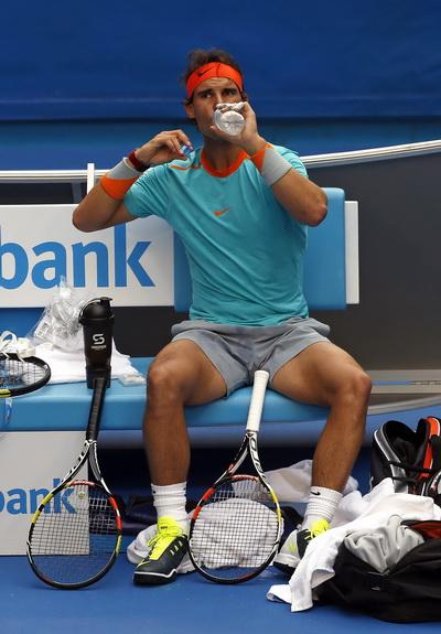 Các tay vợt chỉ có thời gian nghỉ ngơi trong vòng 90 giây giữa hai ván đấu