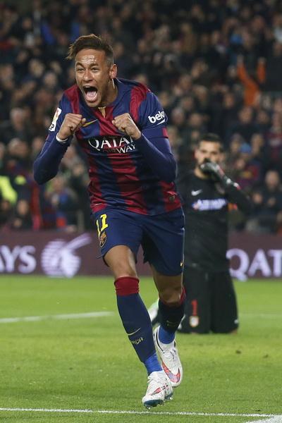 Neymar phủ nhận mọi bất đồng giữa đội bóng và HLV Enrique