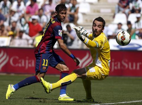 Neymar cũng kịp nổ súng trong chiến thắng 8 sao