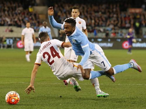 Florenzi cản ngã Sterling nhưng không có phạt đền cho Man City