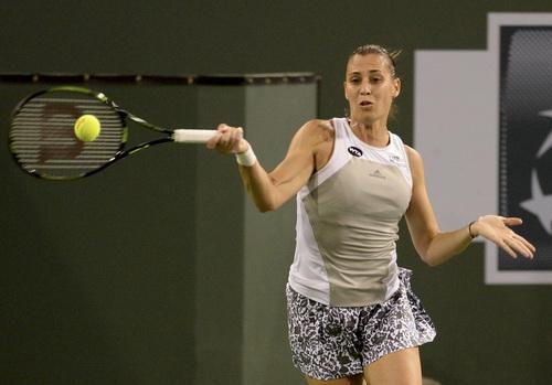 Flavia Pennetta gây sốc khi đánh bại hạt giống số 2 Sharapova