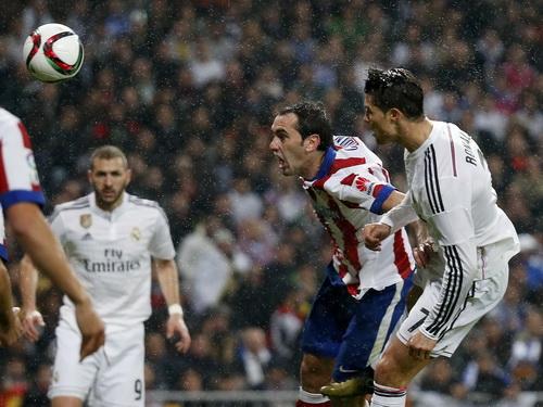 Ronaldo ghi bàn vẫn không giúp Real tránh khỏi thất bại ở Cúp Nhà vua