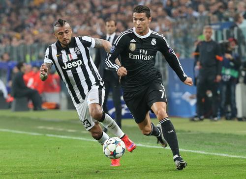 Ronaldo (7) có bàn thắng thứ 9 tại Champions League mùa này