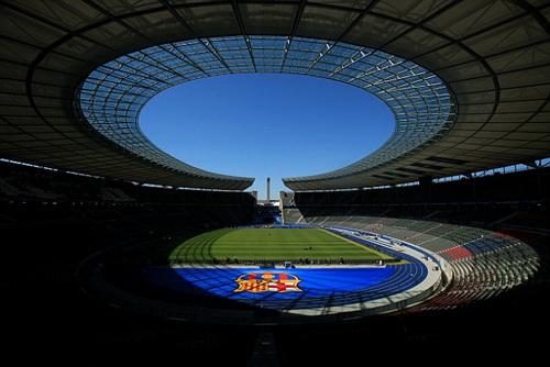 Sân Olympic Berlin - nơi diễn ra cuộc chiến hay nhất mùa giải