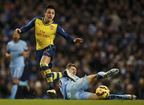 Arsenal bùng nổ, lấn lướt Man City tại sân Etihad