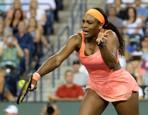 Serena quá mạnh, thẳng tiến vào tứ kết