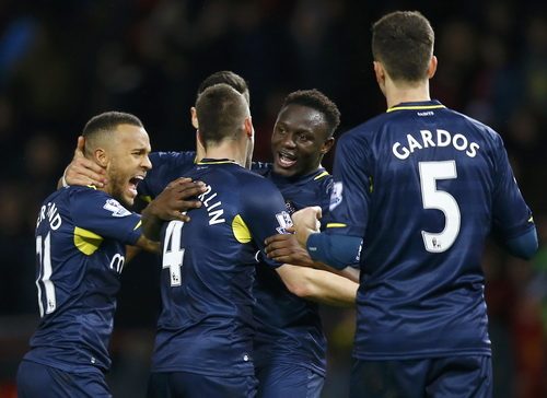 Niềm vui chiến thắng của Southampton tại Old Trafford
