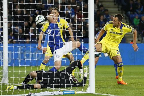 Terry ghi bàn thắng thứ 38 trong sự nghiệp cho Chelsea