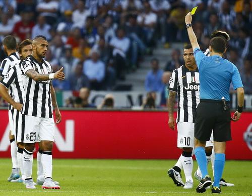 Barcelona lại gây chấn động với bom tấn Vidal - Ảnh 3.