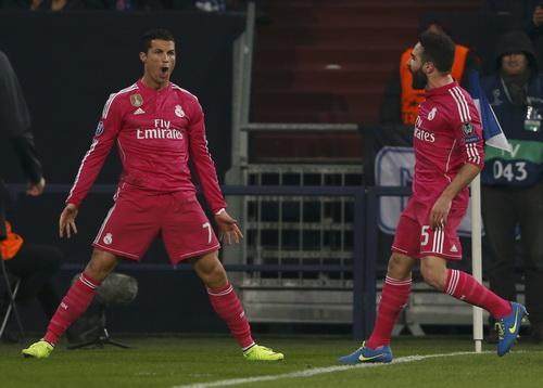 Ronaldo phấn khích khi ghi bàn trở lại sau 4 trận tịt ngòi