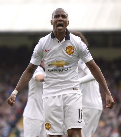 Ashley Young chơi hay nhất trận trong màu áo Man United