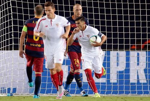 Antonio Reyes khiến hàng thủ Barcelona náo loạn