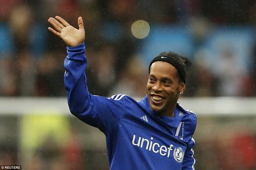 Ronaldinho đề nghị được thi đấukhông lương cho Chapecoense