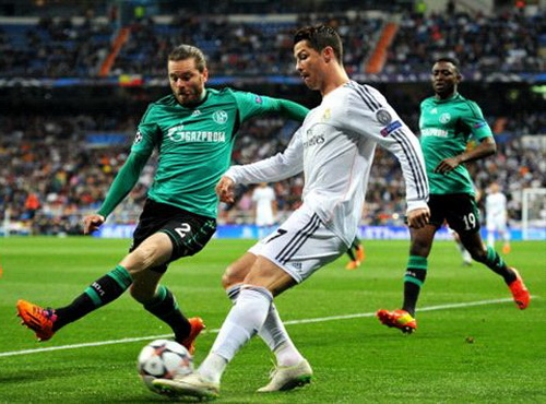 Ronaldo ghi 4 bàn khi đối đầu cùng Schalke mùa trước