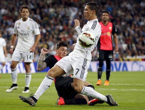 Ronaldo tiếp tục kém duyên trước khung thành đối phương