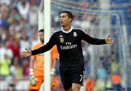 Ronaldo lạc lõng trong chiến thắng ở Espanyol, Real trắng tay trên mọi mặt trận