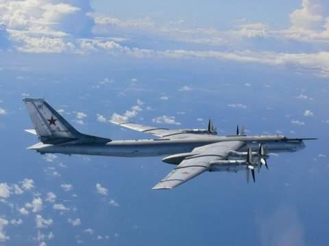 Máy bay ném bom Bear H của Nga. Ảnh Sky News