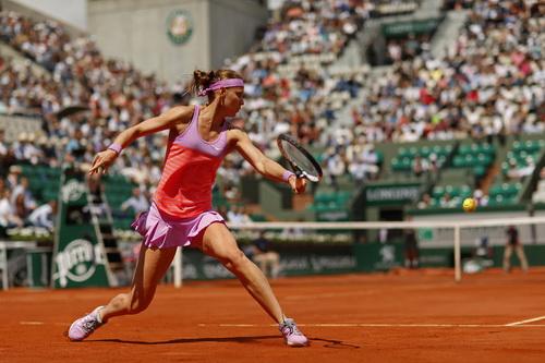 Lucie Safarova vào bán kết, chen chân vào Top 10 thế giới