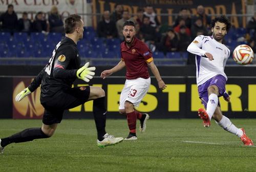 Mohammad Salah - cựu chân sút Chelsea - thi đấu rất hay trong trận Fiorentina thắng Roma