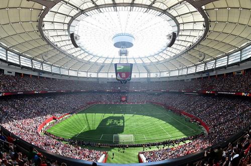 Sân BC Place Vancouver đông nghịt khán giả xem trận chung kết