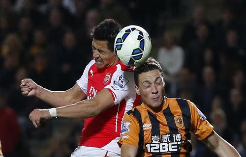 Sanchez mở tỉ số cho Pháo thủ