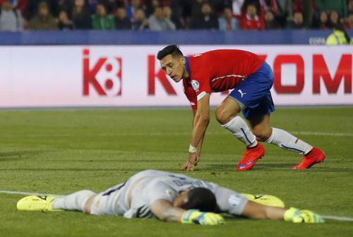 Alexis Sanchez lập công lần đầu tại Copa America 2015