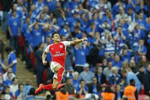 Sanchez hoàn tất cú đúp, đưa Arsenal vào chung kết