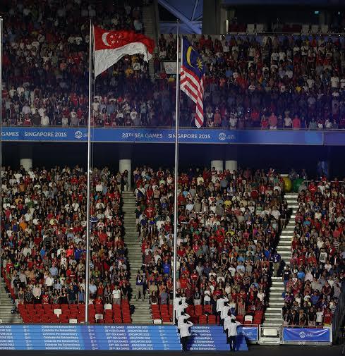 Cờ Malaysia, nước chủ nhà SEA Games 29, đã tung bay